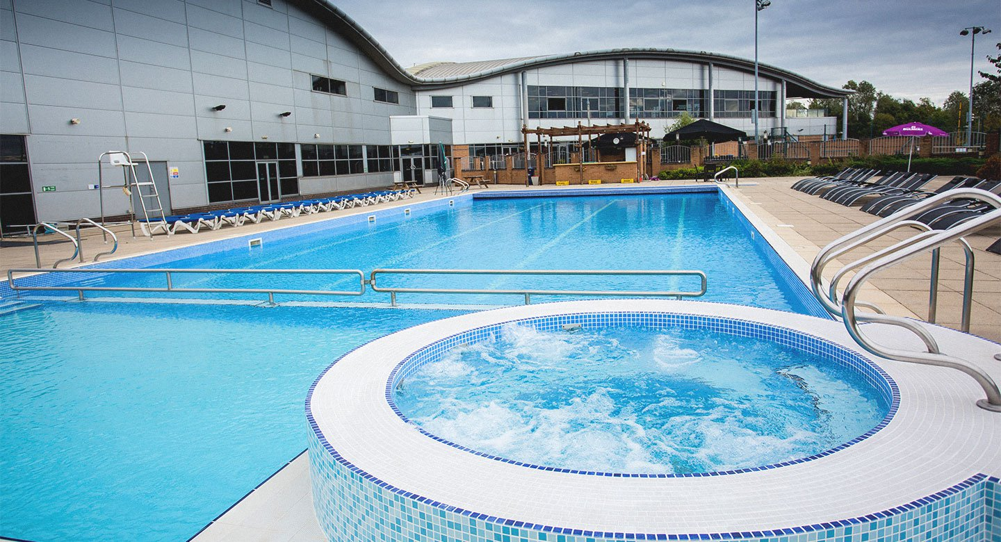 Newdl teesside outdoor pool for Swimming pool management companies